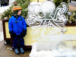 Checking out the octopus sculpture at Salem So Sweet!